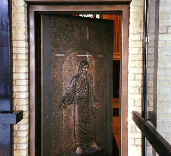 Faux finis sur cadre en acier de la porte sainte Basilique-Cathédrale Notre-Dame de Québec